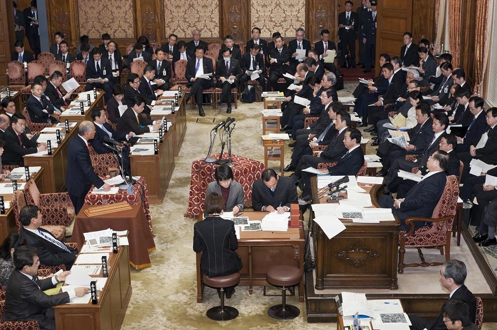 2012.2.13. 衆議院予算委員会_a0255967_10511662.jpg