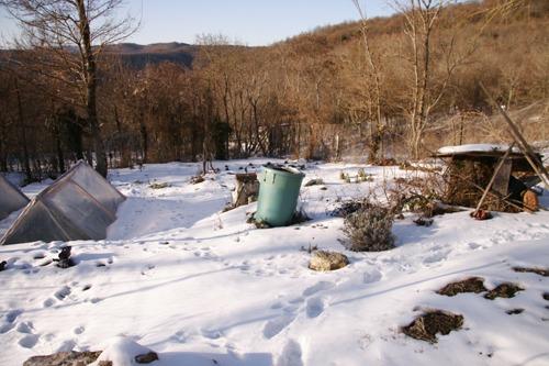 雪の下にはパン~2月の畑_f0106597_22461869.jpg