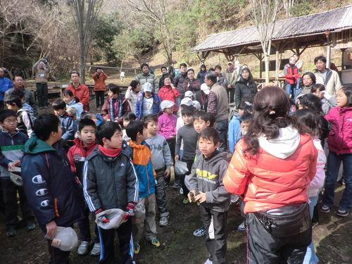 里山に100人以上の親子連れが訪れて by 「仁べ」_c0239329_21225715.jpg