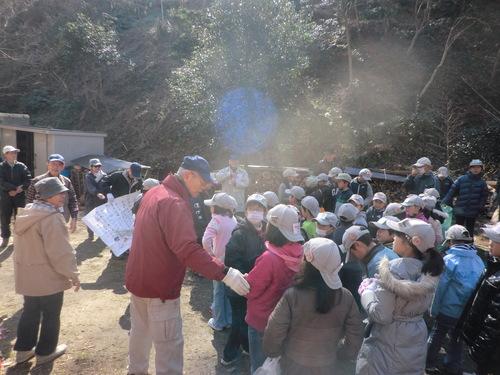 里山に100人以上の親子連れが訪れて by 「仁べ」_c0239329_21242278.jpg