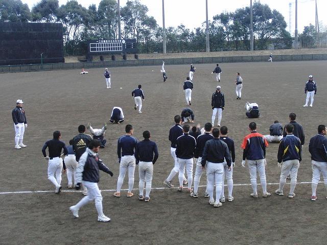 富士市立高校野球部の冬の練習風景_f0141310_7564773.jpg