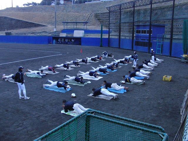 富士市立高校野球部の冬の練習風景_f0141310_7593635.jpg
