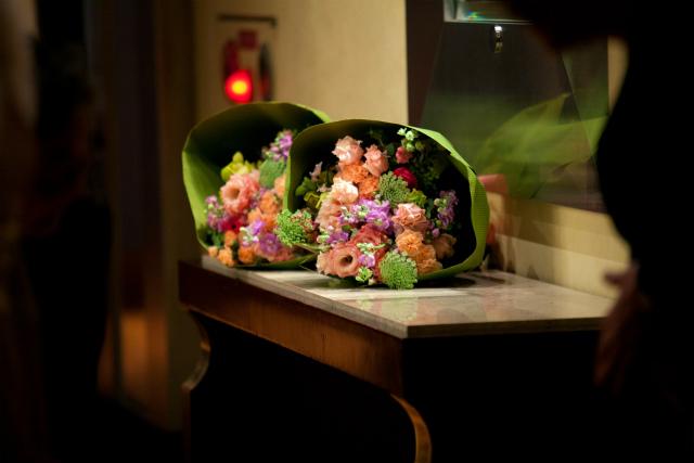 ご両親へ、贈呈の花束 ホテルニューオータニ様へ  と 6月2日軽井沢で結婚式を挙げられる方へ_a0042928_2143680.jpg