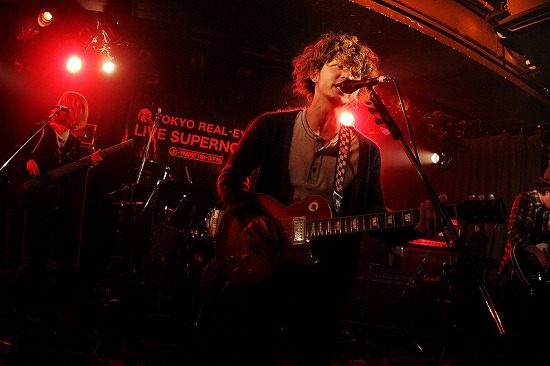 【ライヴレポート】Hello Sleepwalkers、赤い公園、ammoflight出演『LIVE SUPERNOVA vol.68』_e0197970_1355059.jpg