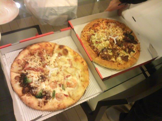 昨日はピザで乾杯(^o^)_b0127002_12195334.jpg