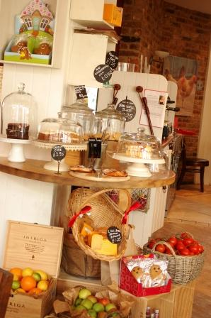 かわいいカフェでおしゃれランチとイギリス料理でお弁当☆_d0104926_152725.jpg