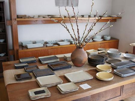 お魚のお皿,海苔のお皿。初日です。_a0026127_15542650.jpg