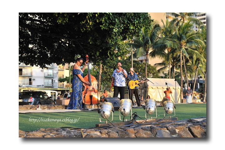 さかなや家族 旅行 in Hawaii 〜 3日目 〜 Kuhio Beach Hula Show_d0069838_12271981.jpg