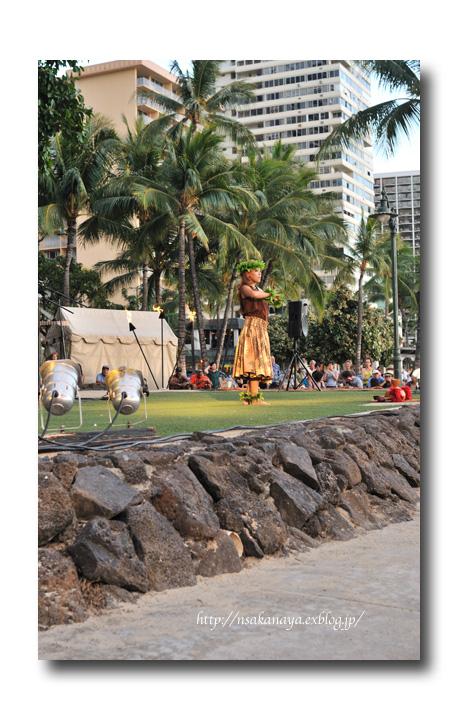 さかなや家族 旅行 in Hawaii 〜 3日目 〜 Kuhio Beach Hula Show_d0069838_12284810.jpg