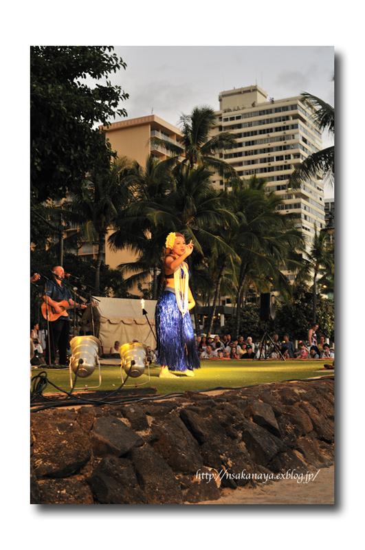 さかなや家族 旅行 in Hawaii 〜 3日目 〜 Kuhio Beach Hula Show_d0069838_12335433.jpg