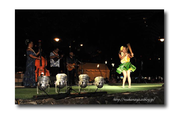 さかなや家族 旅行 in Hawaii 〜 3日目 〜 Kuhio Beach Hula Show_d0069838_12412899.jpg