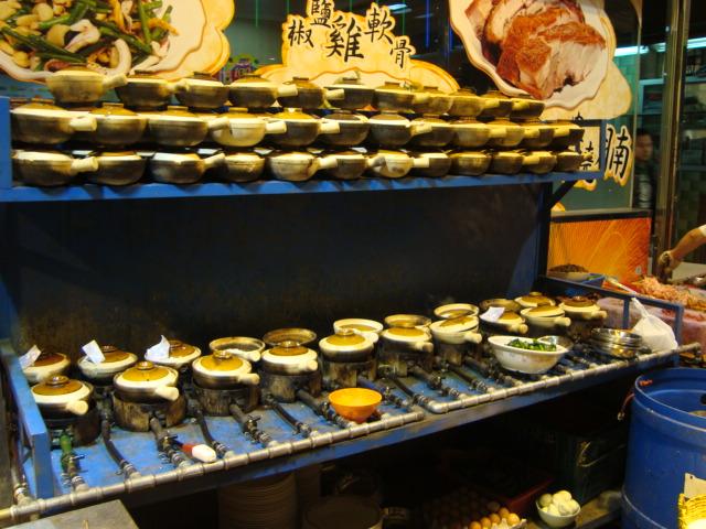 香港へ行く。④ ~香港冬の風物詩・土鍋ご飯~_f0232060_1749363.jpg