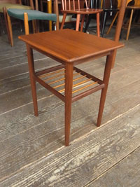side table_c0139773_13304166.jpg