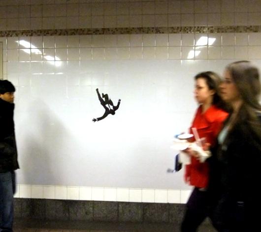 ニューヨークにはこんなかたちで話題になるポスターも Mad Men Season 5 Poster_b0007805_13291196.jpg