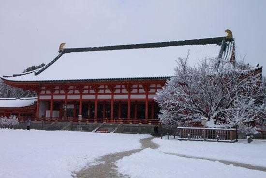 平安神宮雪景色_e0048413_18302179.jpg