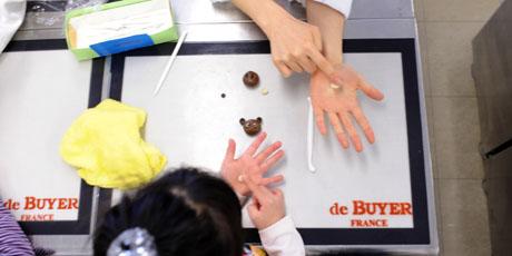 名古屋製菓専門学校の第14回製菓祭開催中です。 _b0110019_1571647.jpg