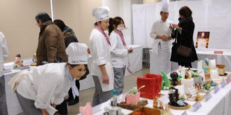 名古屋製菓専門学校の第14回製菓祭開催中です。 _b0110019_1572470.jpg
