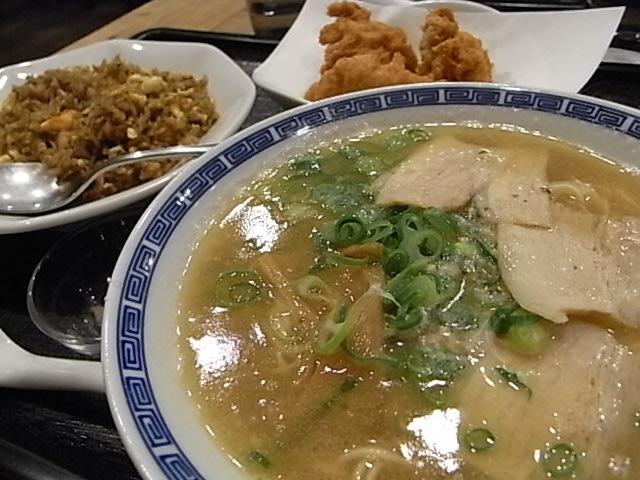 麺だいにんぐ_b0238420_2353929.jpg