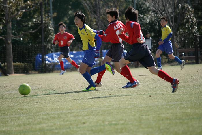 ボールを追いかけて_c0120834_1649145.jpg