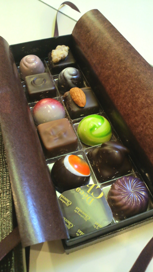 宝石のようなチョコレート_a0115906_17431624.jpg
