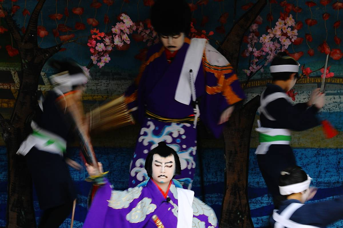 黒森歌舞伎_d0106628_13451938.jpg