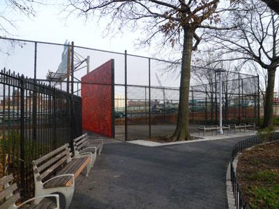 キース・へリングの命日によせて in Harlem (ニューヨークハーレム)_f0009746_1559385.jpg
