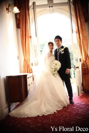 白いユリのキャスケードブーケ 綱町三井倶楽部さんへ_b0113510_1229157.jpg