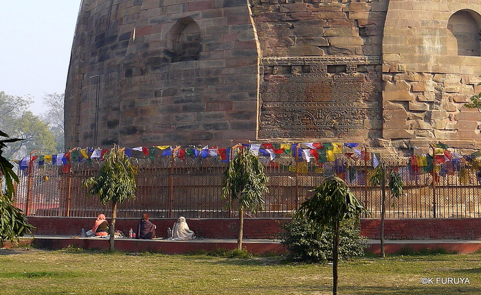 インド旅行記 10  仏教の聖地 サルナートその2_a0092659_2291051.jpg