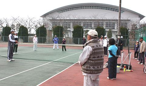 SGシニアテニスクラブの練習会_b0114798_16433727.jpg