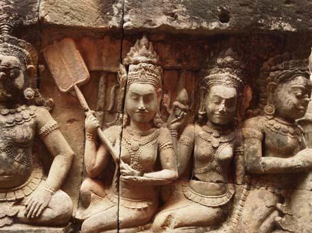アンコールトム(Angkor  Thom) 王宮テラス下の石仏群_d0149245_21523017.jpg