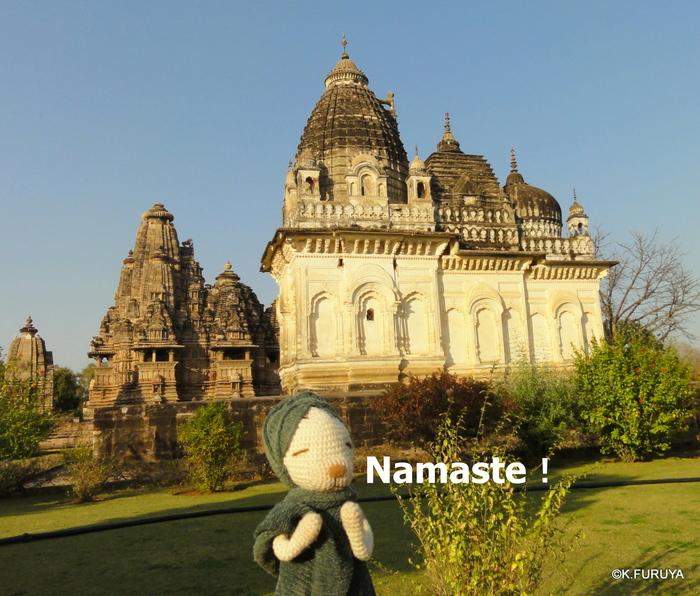 インド旅行記 12  カジュラホ西の寺院群_a0092659_19465831.jpg