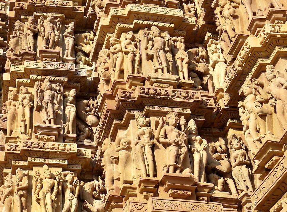 インド旅行記 12  カジュラホ西の寺院群_a0092659_20485530.jpg