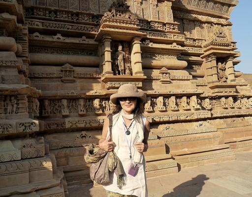 インド旅行記 12  カジュラホ西の寺院群_a0092659_21281861.jpg