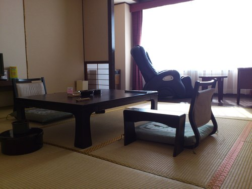 海が見える函館湯の川グランドホテルの客室_b0106766_22492849.jpg