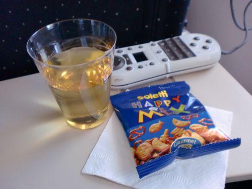 旅日記 モロッコ・パリ JAN2011 その18 AF276 東京行き A380_f0059796_0311268.jpg