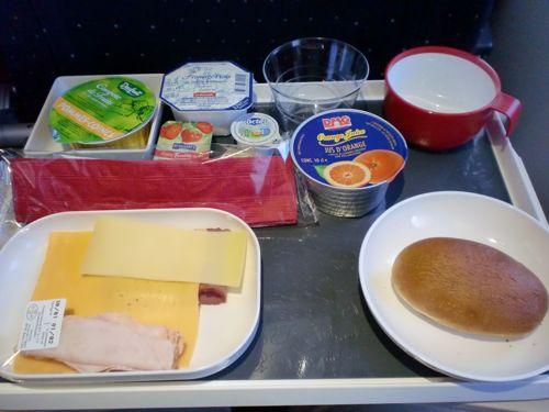 旅日記 モロッコ・パリ JAN2011 その18 AF276 東京行き A380_f0059796_0374885.jpg