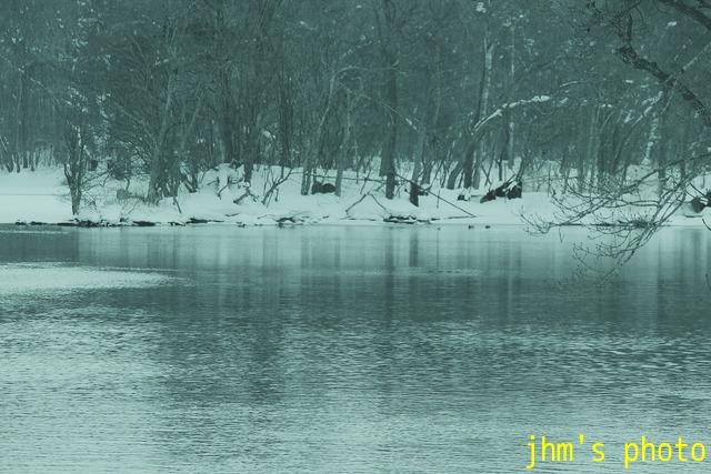 冬の山・湖・川・営み_a0158797_104946.jpg