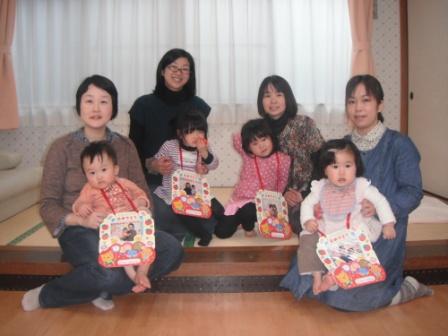 2012.02.24 2月のお誕生会_f0142009_13273276.jpg
