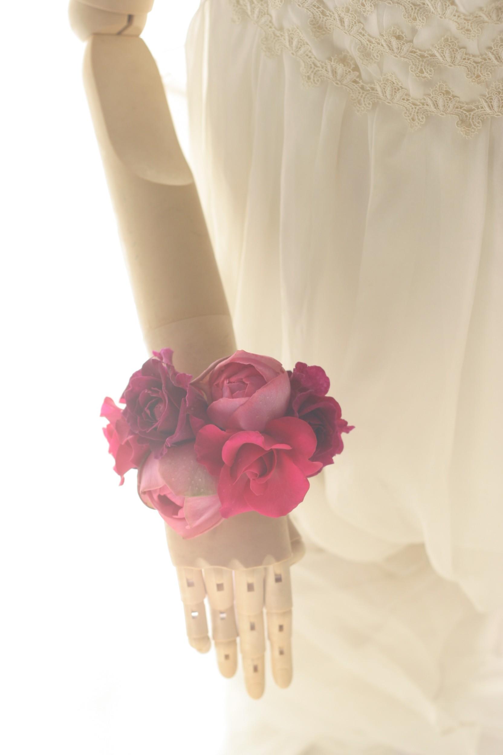 ダウンスタイルの花のヘッドドレスとリストブーケ 目黒雅叙園様へ_a0042928_2394944.jpg