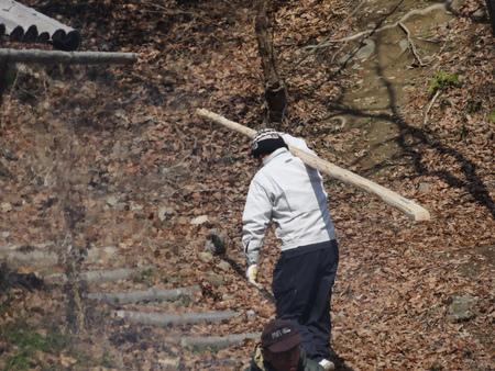 みさき里山クラブ定例活動日:展望台建設15日目            …階段手すり取付_c0108460_18163118.jpg