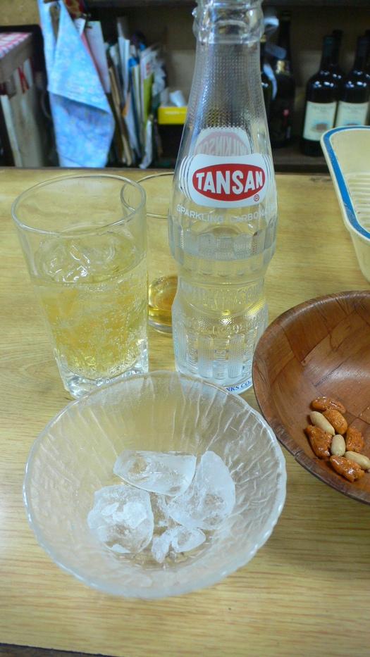 「氷」「マヨネーズ」別売システムの上田酒店での「ハイボール」_c0061686_651392.jpg