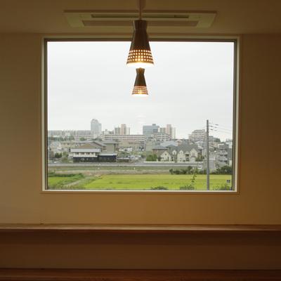 景色を切り取る窓:アイデアボックス第4回_a0117794_143177.jpg