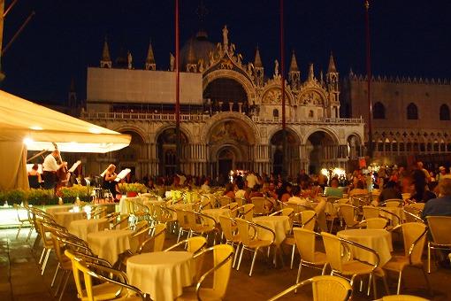 シルバー・スピリット アドリア・地中海クルーズ 9日目-6 夜も広場のカフェでまったり_e0160595_1844531.jpg