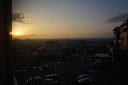 夕日が目に沁みる。_c0095801_21165256.jpg