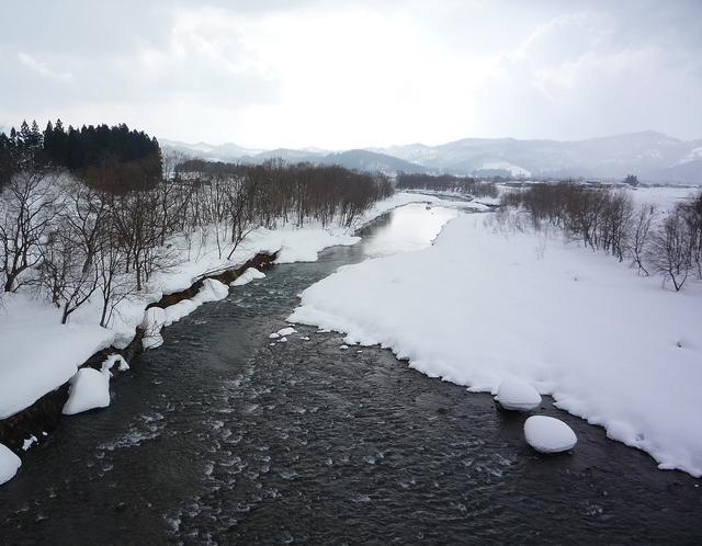 雪解けの川_a0214206_20415860.jpg
