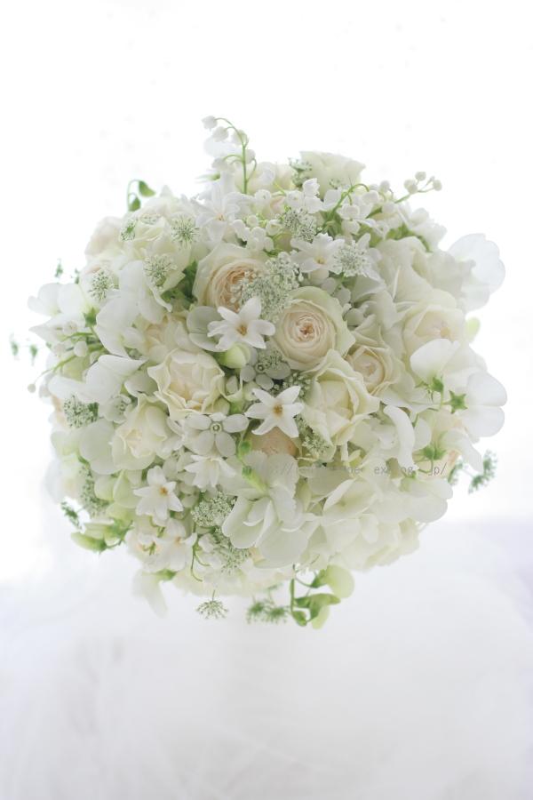 ラウンドブーケ 春の小花で 椿山荘様へ_a0042928_1328854.jpg