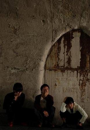 """ロックバンド""""GINGHAM(ギンガム)""""が長澤まさみ出演『分身』挿入歌をリリース_e0197970_23285967.jpg"""