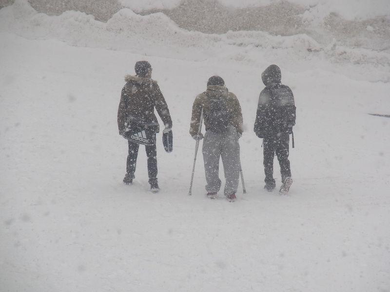 突然の猛吹雪と葬送_c0025115_224377.jpg