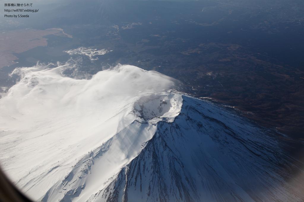 2/26 機窓より 「富士山」_d0242350_1802371.jpg