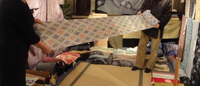 27日まで京の絞り職人展 3月1日から8人グループ展_e0109554_943473.jpg